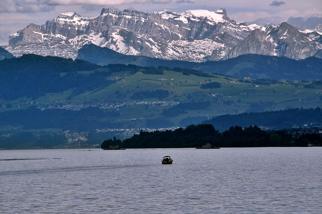 Lake Zurich (from wikimedia)