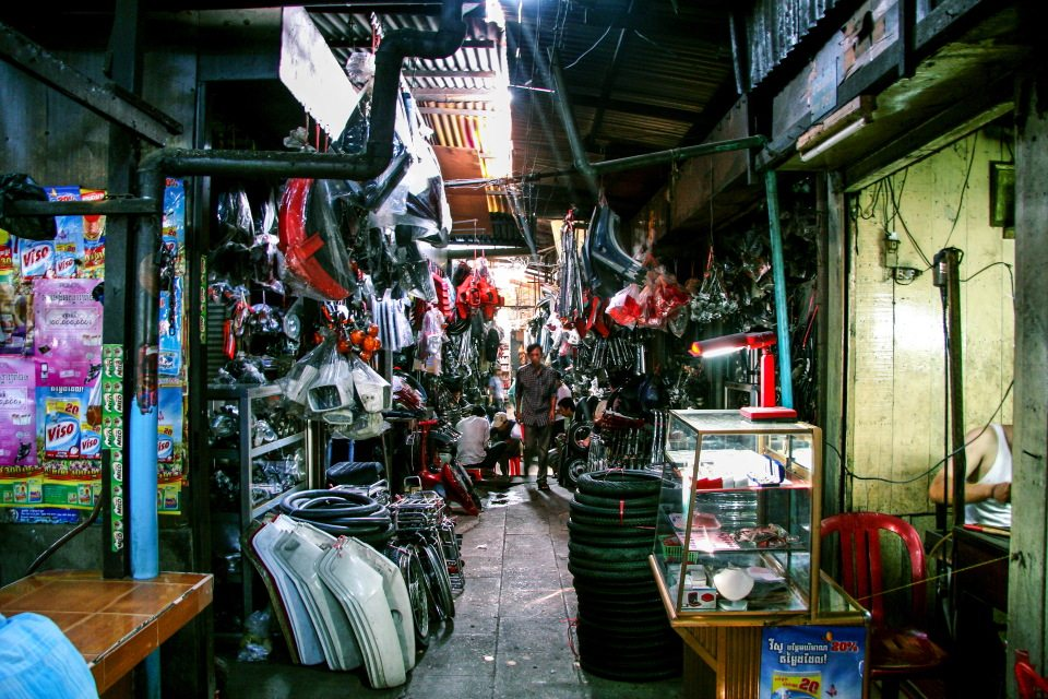 inside-the-russian-market-phnom-penh-cambodia