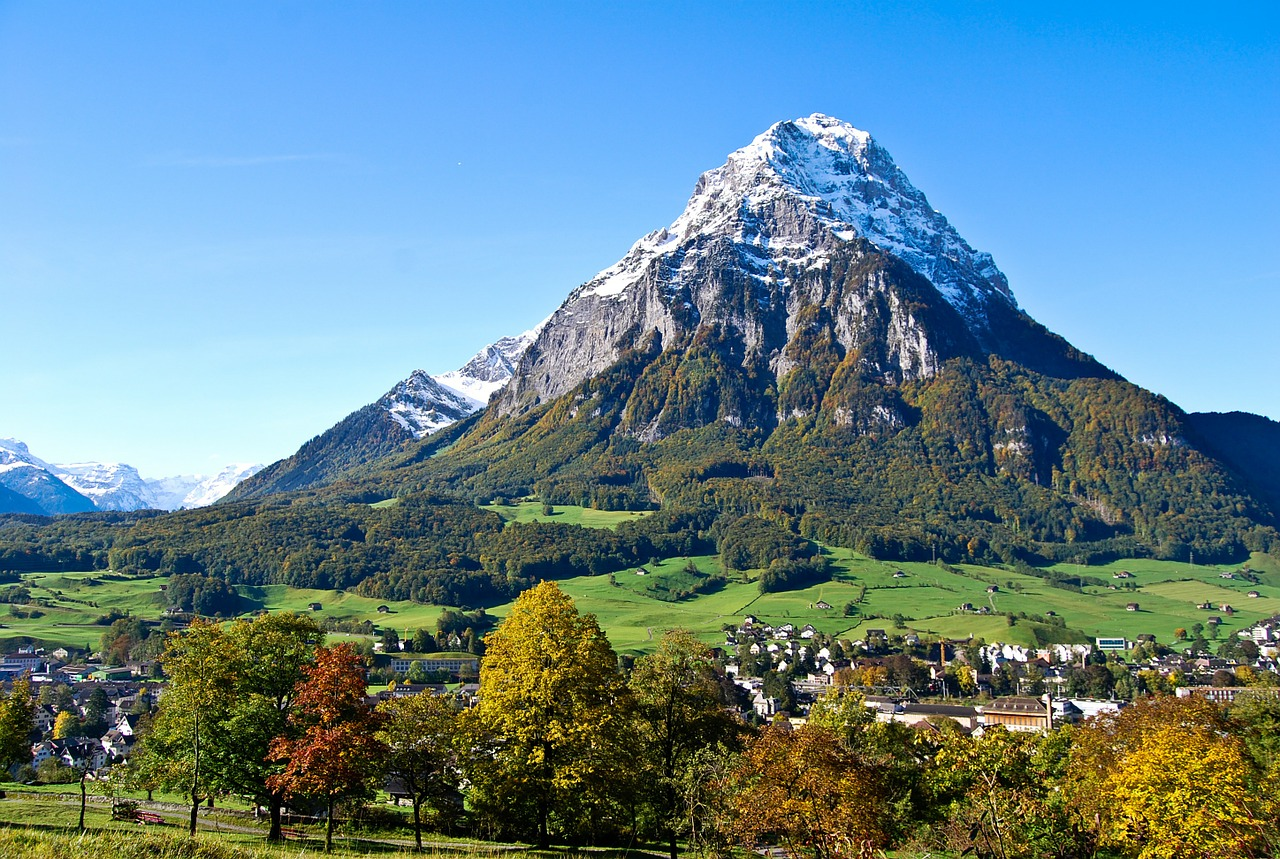 The Glärnisch is a mountain massif of the Schwyz Alps