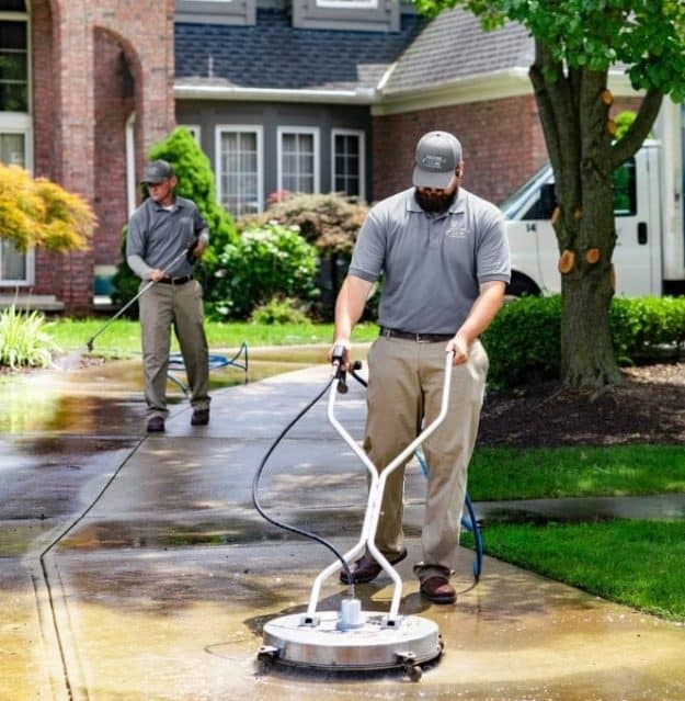 Driveway Cleaning / Driveway Pressure Washing