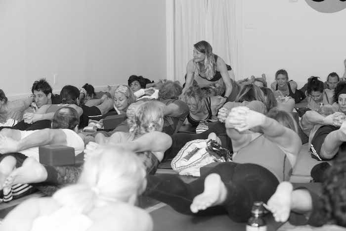 Teacher-Assist-in-Yoga-Daily-Class