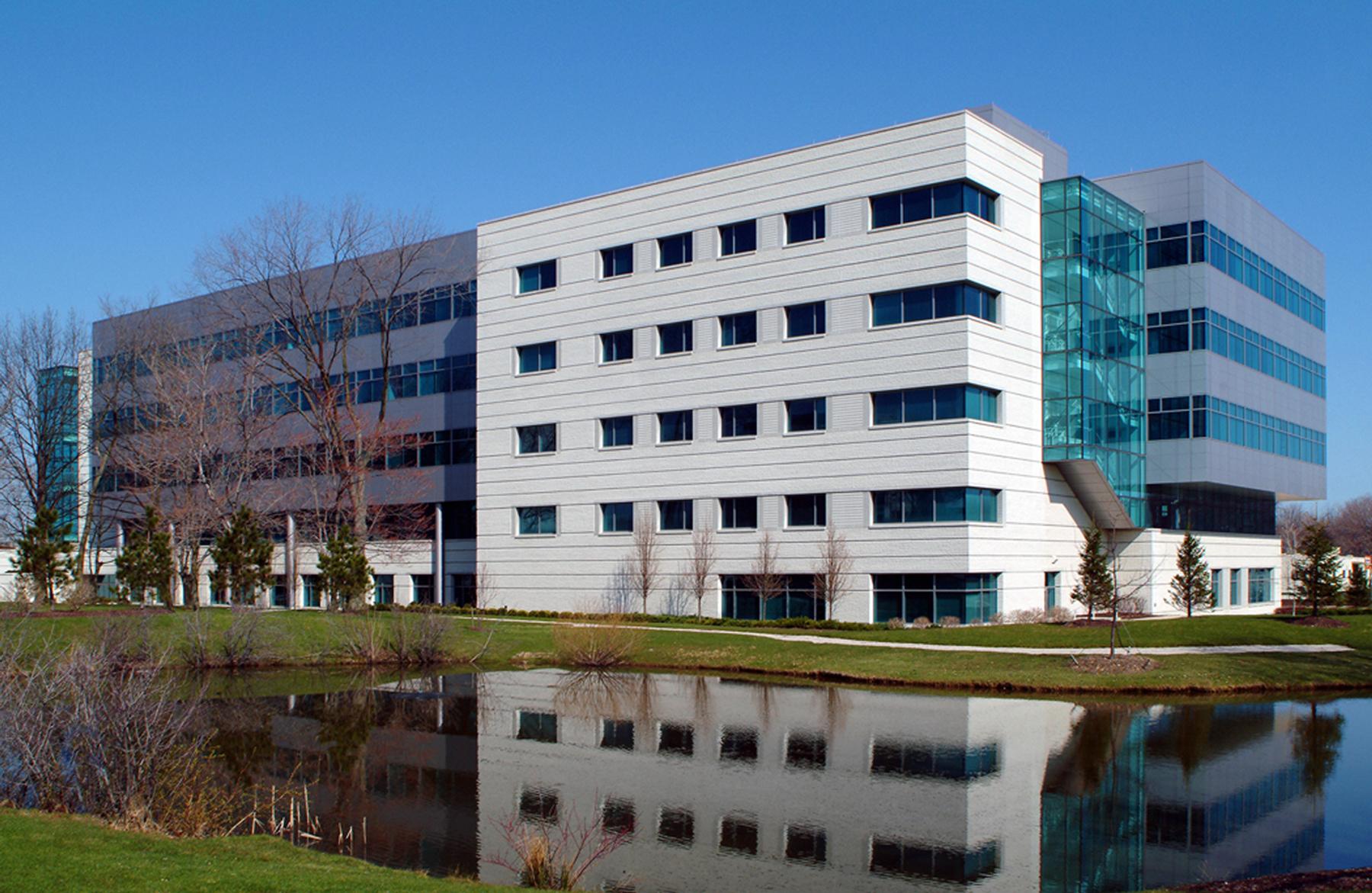 1_Campus2-Pond