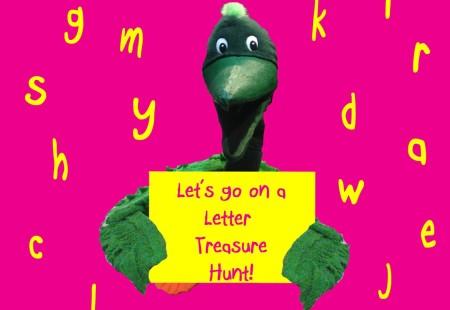 Pelican Family Series Children's Picture Books Incidental Alphabet Pelly Treasure Hunt Sign