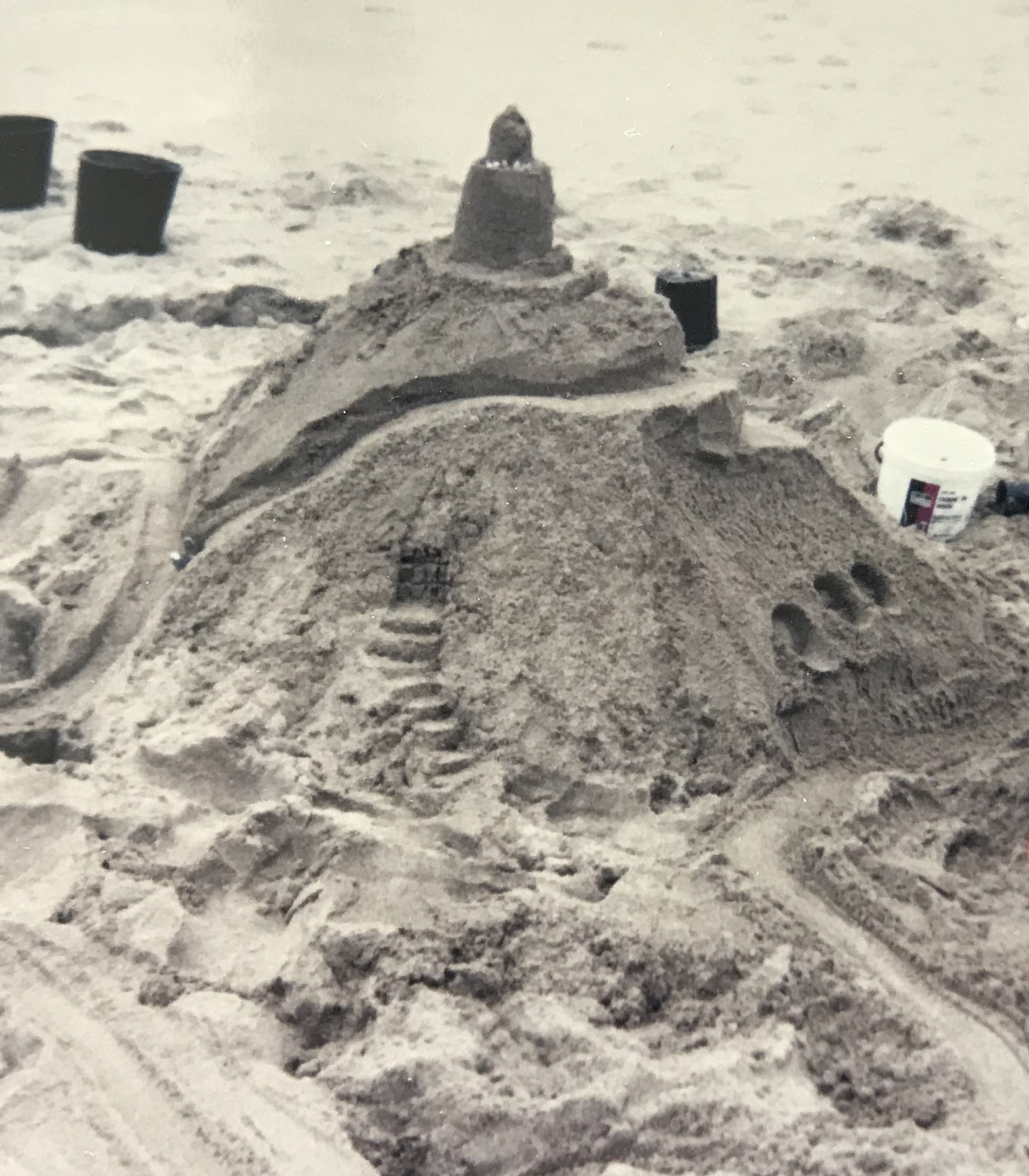 #33 — We're Going To Build A Sandcastle!