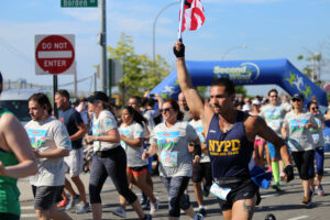 5th Annual LIC Post Waterfront 5K @ Hunter's Point South Park | New York | United States