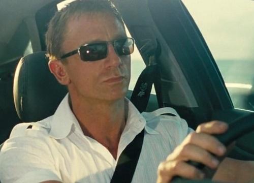 Daniel Craig James Bond Casino Royale white Bahamas shirt