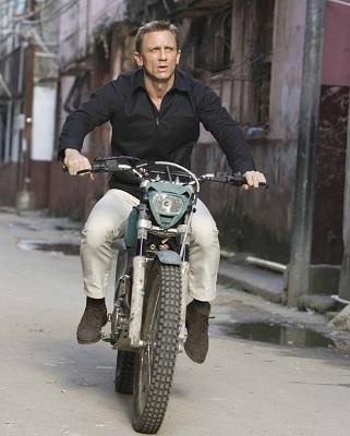 Daniel Craig James Bond Quantum of Solace Motorcycle