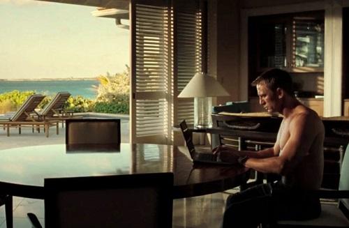 Daniel Craig James Bond Casino Royale Computer Work