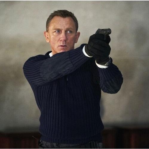 Daniel Craig James Bond No Time To Die Commando Sweater N.Peal