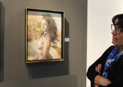 Tracy with Rafia Crown by Kent William at Jerry Suqi - Courtesy of LA Art Show 2020 - with Janice Bremec Blum looking on...