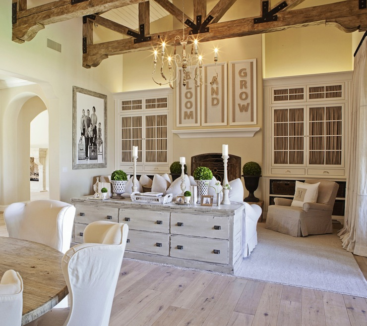 Suzie: FOUND - Amazing living room with vaulted ceiling, rustic wood beams, built-in ...