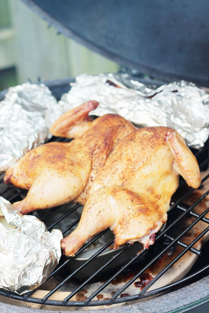 whole smoked chicken-big green egg