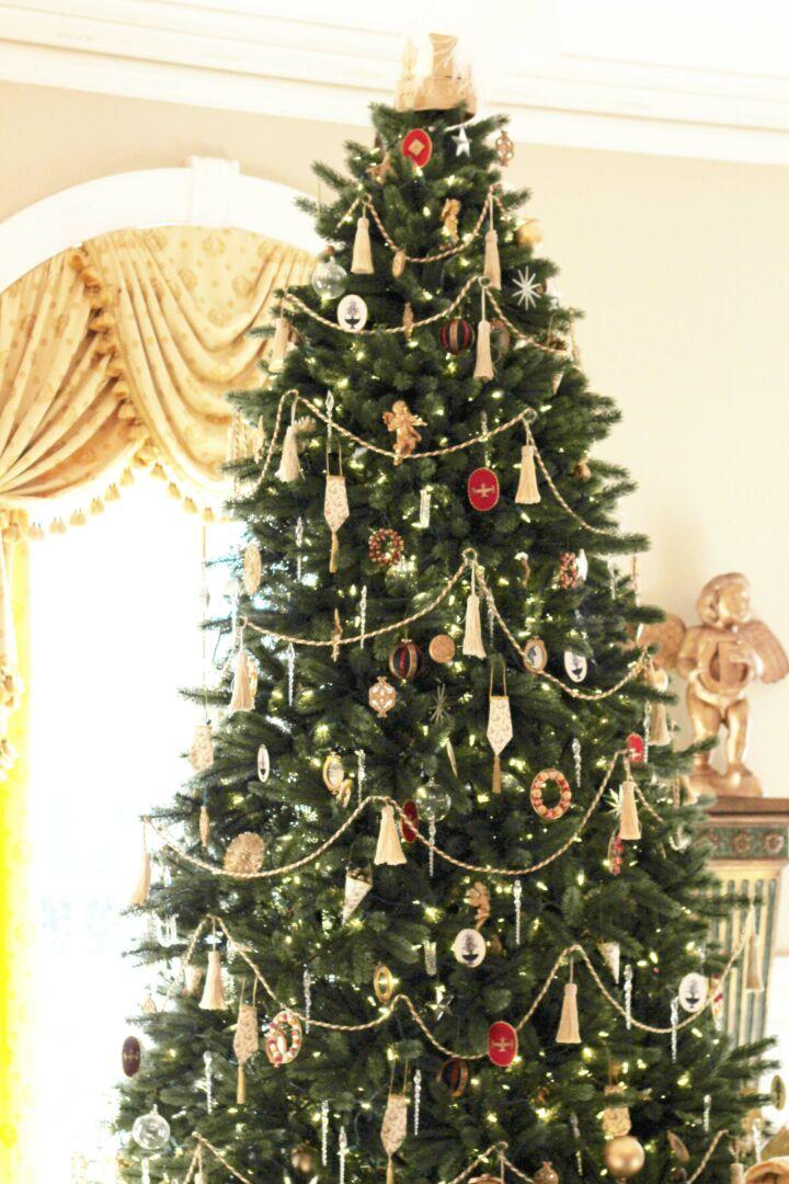 Christmas in Colonial Williamsburg and a Southern Living Book Review