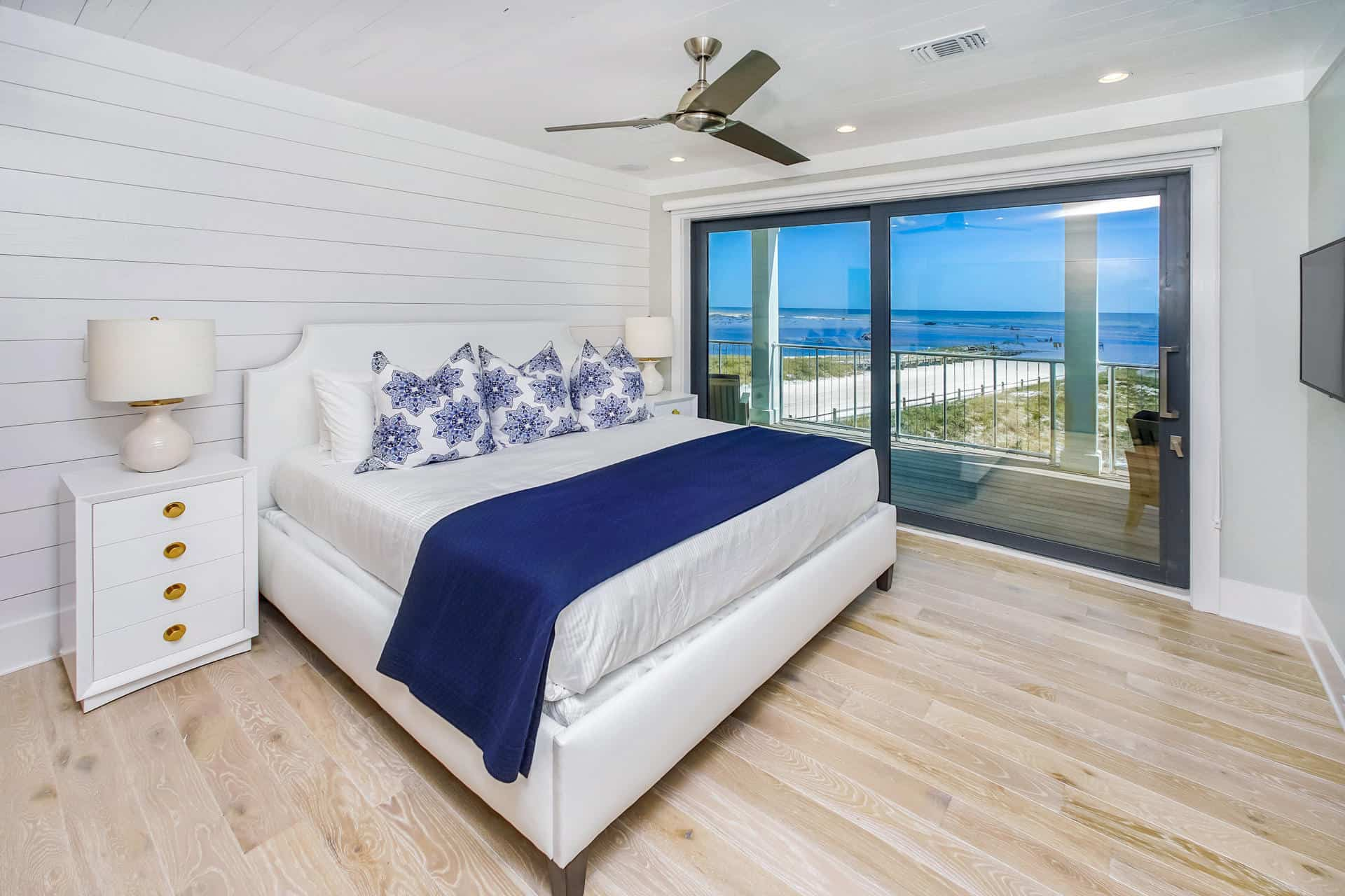 6 Tips To Creating A Beautiful Bedroom