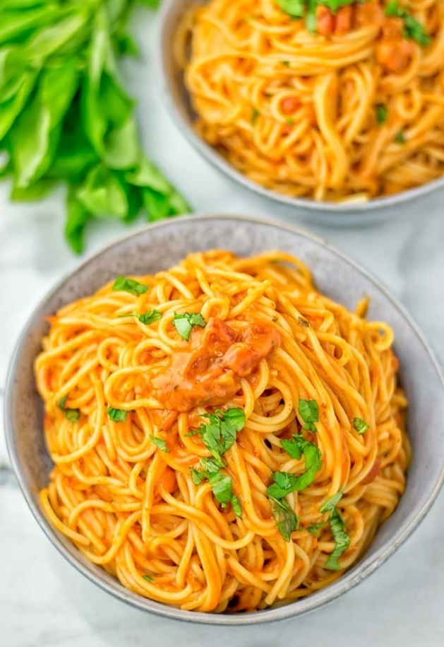 Instant Pot Spaghetti with Simple Tomato Sauce - Contentedness Cooking