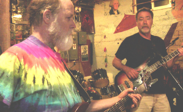 Paul & Greg jamming in the Reptile Den