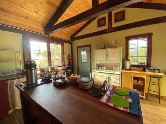 old farm house style kitchen