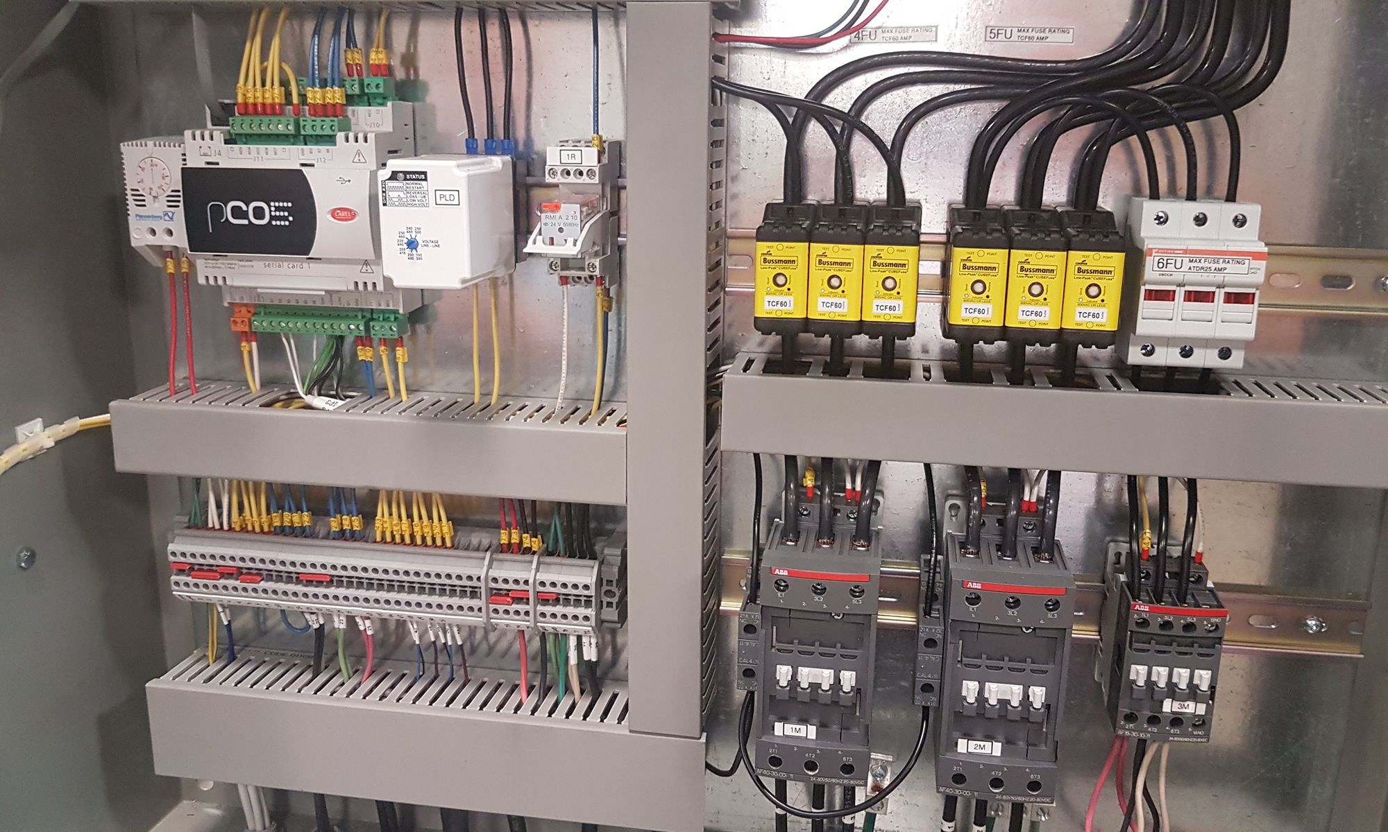 Controllers For Monitoring Modular Chillers