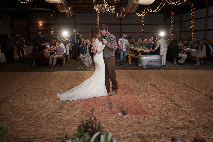 rustic barn wedding illinois