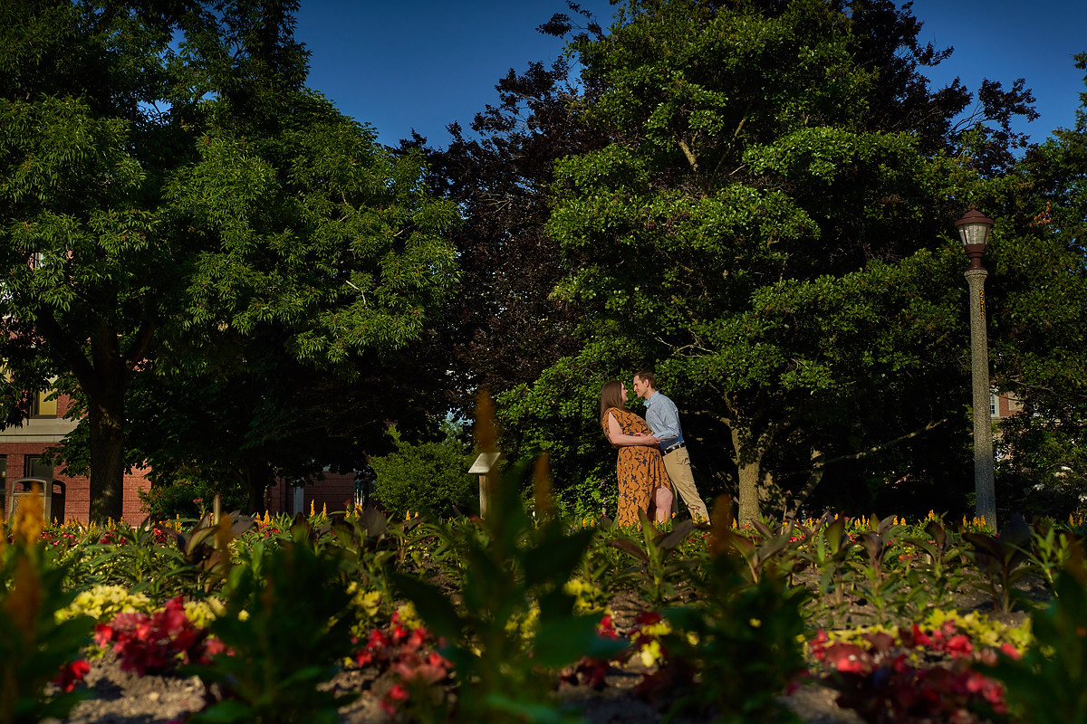 Wedding photographer in Bloomington Ilinois