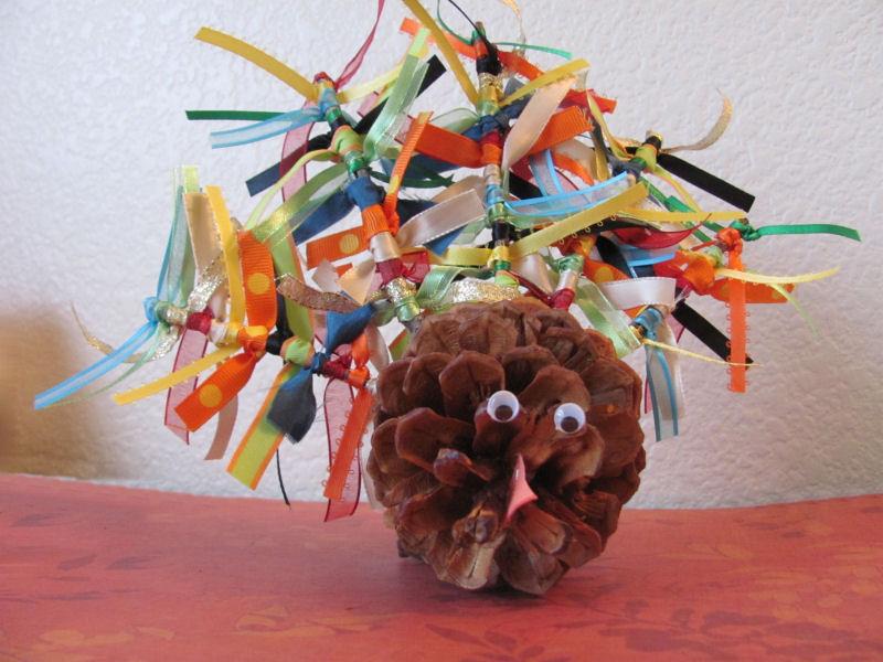 Random color ribbon feather pinecone turkey
