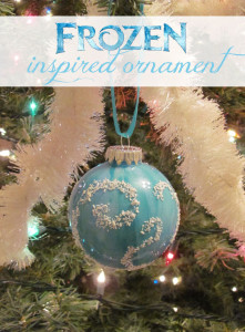 Kids can make their own Frozen inspired ornamnet that's Elsa-approved!