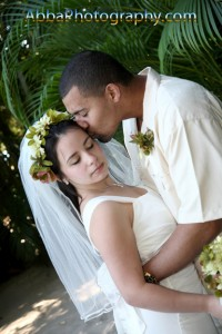 Discovery Cove wedding shot by Orlando photographer