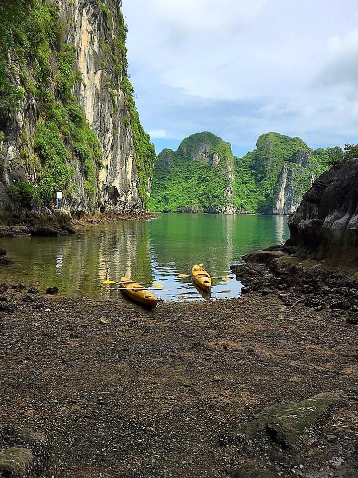 halong bay cruise, ha long bay, kayaking, vietnam