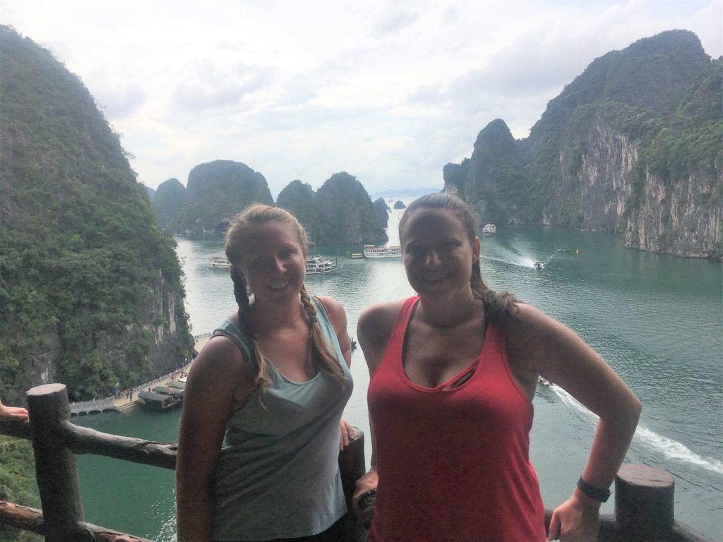 halong bay cruise, ha long bay, vietnam, cave, hang sung sot cave