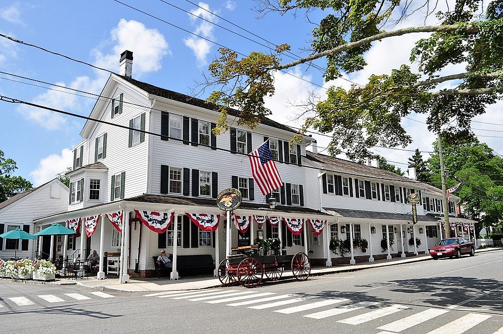 inn, essex, connecticut, lodging, history, griswold inn, central connecticut