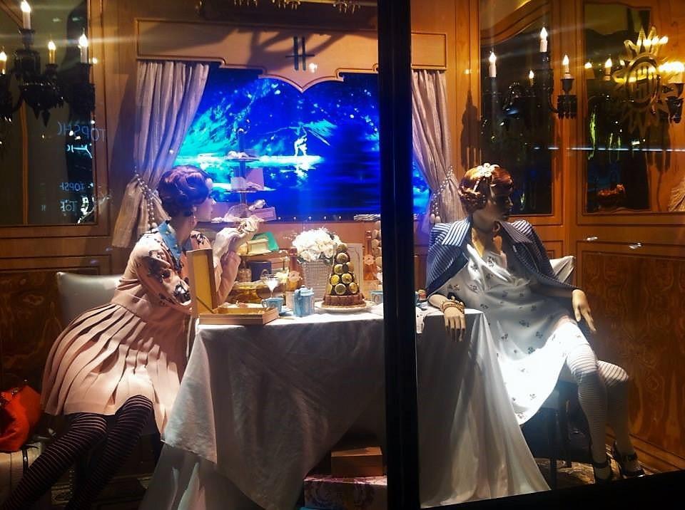 harrods; london; christmas