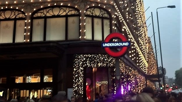 How to Celebrate the Christmas Season in London