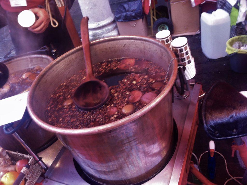 mulled wine; chirstmas market; london; chirstmas