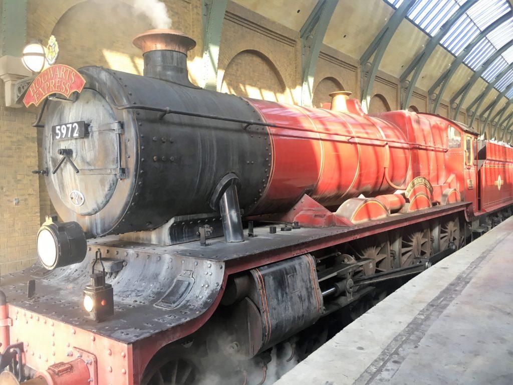 hogwarts express; harry potter world; diagon alley; hogsmeade; universal orlando; islands of adventure