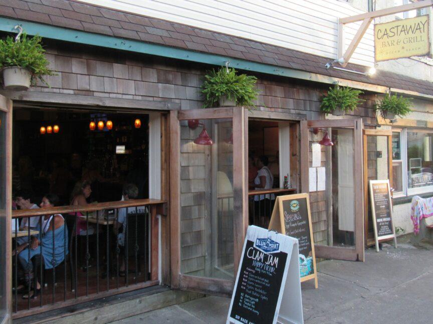 Review: Castaway Bar & Grill