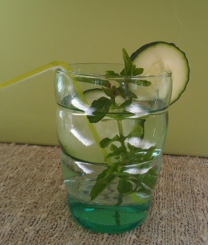 7 Compelling Health Reasons to Drink Cucumber Water