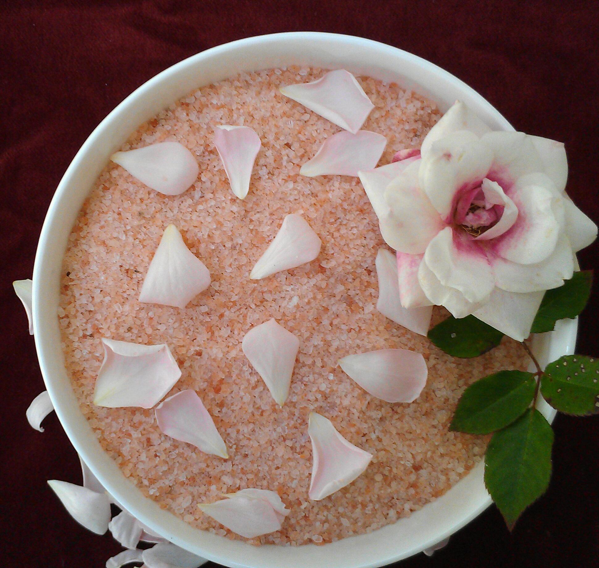 Revitalizing Himalayan Pink Salt Rose Bath