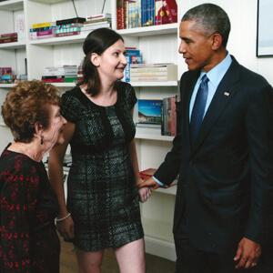 Nicole introducing her Nana to President Obama