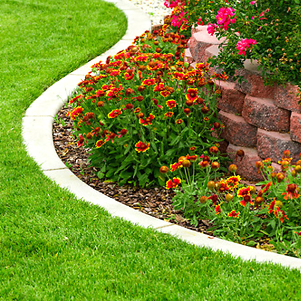 landscape flower beds weeding mowing trimming weeding