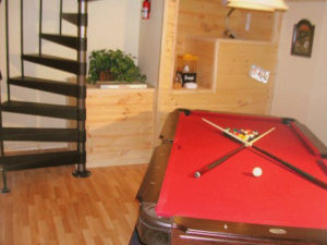 Smoky Mountain Memories 2 Bedroom Log Cabin Pool Table photo in Gatlinburg - Pigeon Forge Tennessee