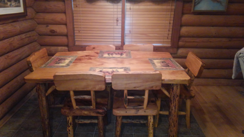 Tennessee Sunshine 3 Bedroom Log Cabin Table photo in Gatlinburg - Pigeon Forge Tennessee