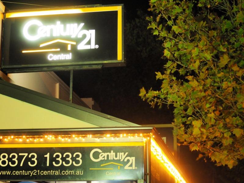 Illuminated building signs