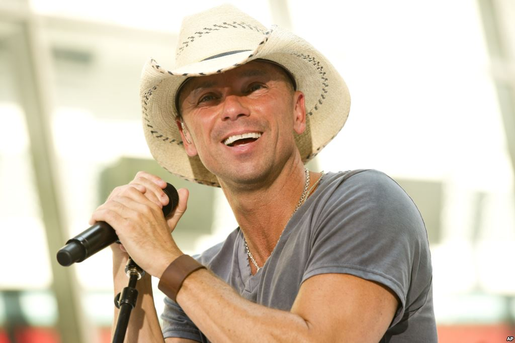 Kenny Chesney Has Special Message For His No Shoes Nation
