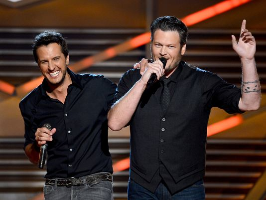 Luke Bryan's reaction to being asked about Blake and Gwen is funny as hell