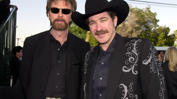 US country music singers Kix Brooks (L) and Ronnie