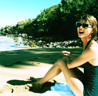 Taylor Swift outsmarts the paps with those bikini pics