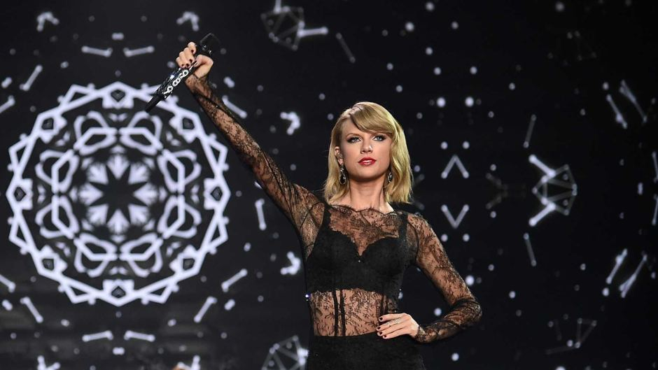 "Taylor Swift sticks it to the media for ""shaming"" her…"