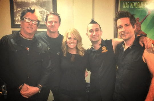 Carrie Underwood reaches rock star status…