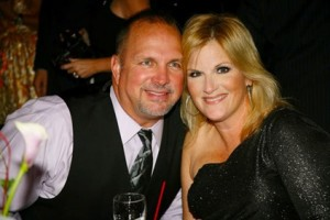 Garth-Brooks-and-Trisha-Yearwood