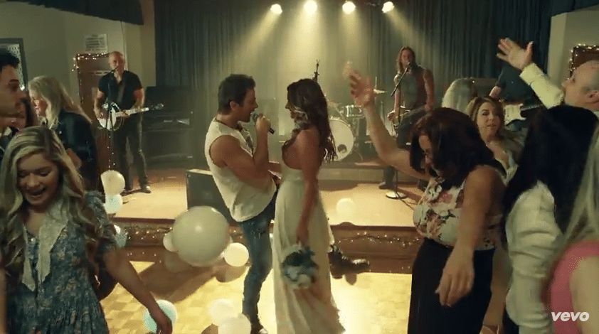 "Kip Moore is a sexy wedding crasher in new ""I'm To Blame"" video"
